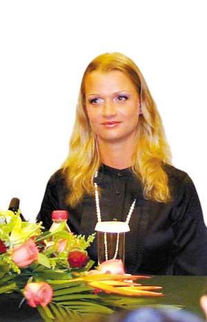 俄罗斯体操皇后霍尔金娜14日当