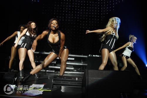 组图:美国女子组合纽约开唱