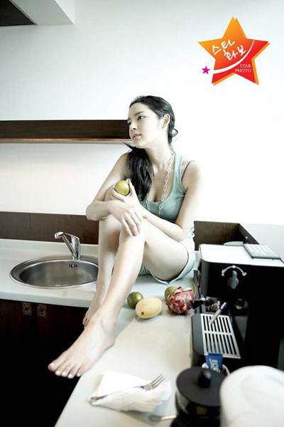 朴诗妍写真集 展示美丽身材_南海网新闻中心