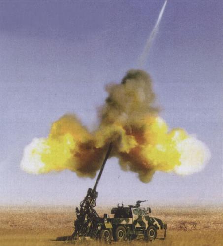 中国新型车载榴弹炮定型 远程打击精度大增