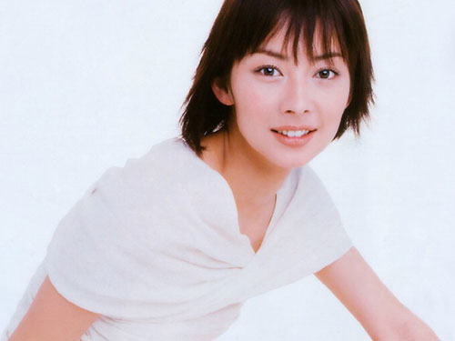 伊东美咲婚期倒计时 男友英雄救美俘获芳心(图)