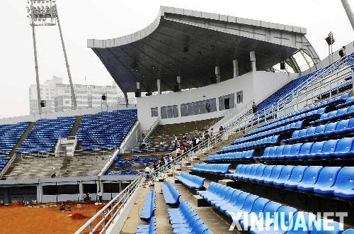 ...垒球场内景[图]   南海网报料热线:13700471100   垒球新闻 ...