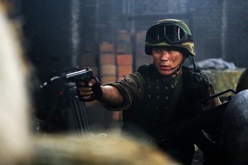 央视军旅剧《绝密押运》自9月18日开播以来,迅速窜红,不仅荣登百度