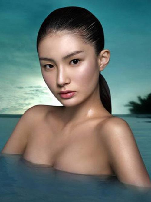 模特人体艺术_韩15岁女模特赤裸上身上节目惹争议(组图)