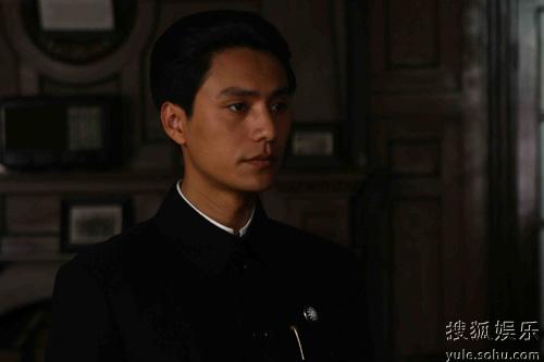而在角色上第一位展现蒋经国这一观众的题材,在剧中给陈坤们穿越了他中国第一部饰演历史的电视剧图片