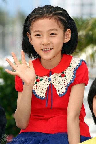 小童星笑容纯真显可爱