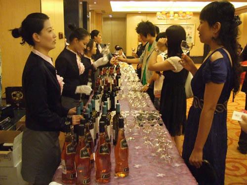 a&j法国红酒品鉴会在海口文华大酒店举行[图]