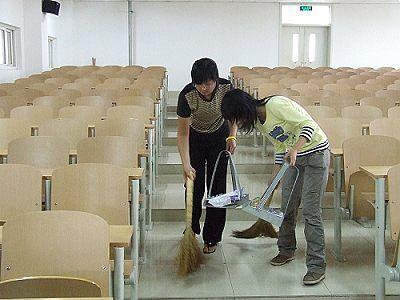 教室打扫卫生简笔画