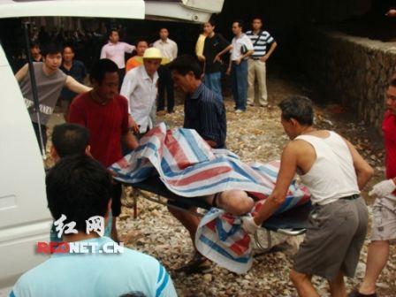 湖南娄底一桥下浮现裸体女尸 手脚被捆[图]_南