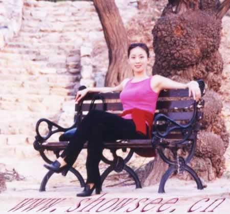 日本人体艺术420_汤加丽:我是中国人体艺术署名第一人[组图]