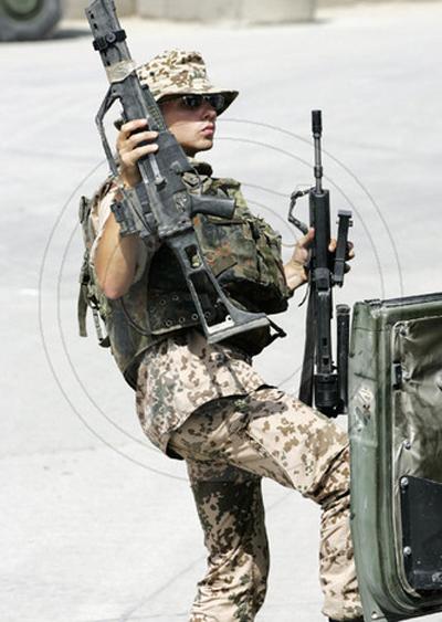 世界各国美女大兵 二 [146P]