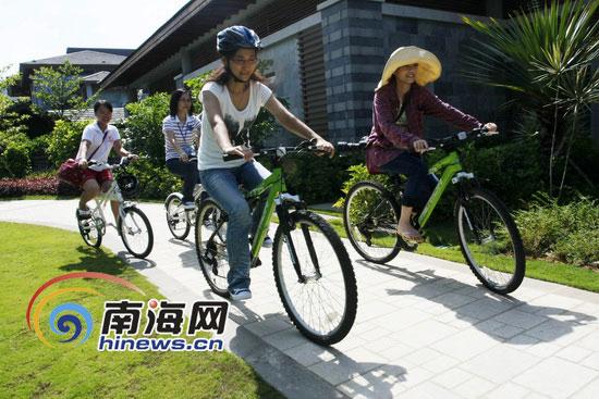 网友们进行骑山地自行车体验活动(南海网记者张茂摄)-网友走进石