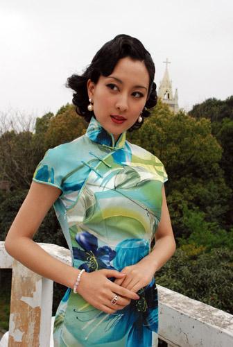 马苏展示旗袍艺术