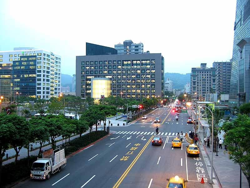 长春和台湾的经济总量对比_长春新老照片对比