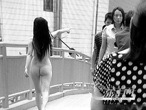 女人光着全身的图片女裸奔裸泳高清图片美女一丝一不