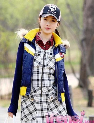 张筱雨,打败汤加丽成为中国第一的人体女模特,外表清纯,体态圆润,大胆