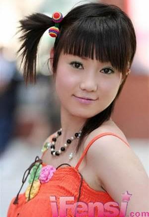 张筱雨,打败汤加丽成为中国第一的人体女模特,外表清纯,体态圆润