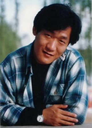 谢东父亲_谢东接受媒体专访,讲述自己吸毒前后的生活状态,并以\