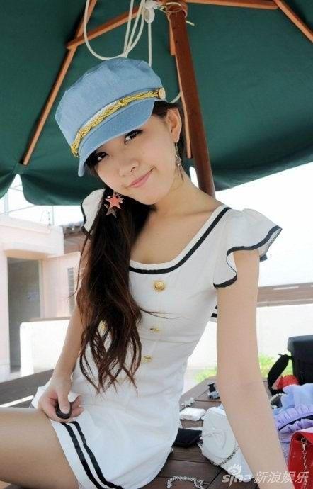 我的骚姐姐小�_求5张妩媚、略带小骚、黄头发的女QQ头像-这个女的叫什么名字QQ