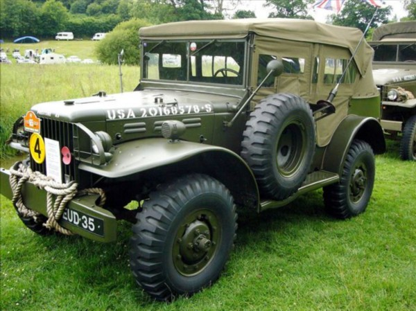 """dodge3/4吨或者11/2吨4x4轻型卡车.美国人也称这种车为""""大高清图片"""