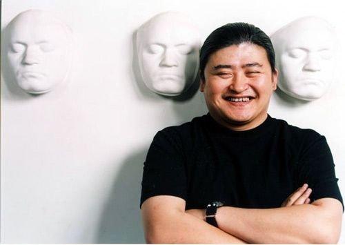 刘欢股骨头手术_之后曾有媒体爆料刘欢淡出其实是因为左腿股骨头坏死不得不进行手术.