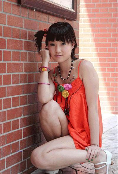 不仅以青春靓丽形象,更是以绝对大胆出位的人体艺术摄影跃居中国十大