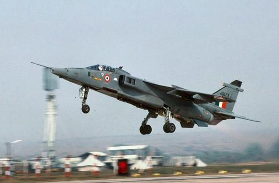 印度拟购40架战机 苏30 幻影2000H和美洲虎候选
