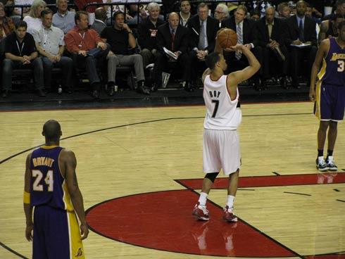 作为一名外线球员,罗伊在上赛季的投篮命中率达到了47.