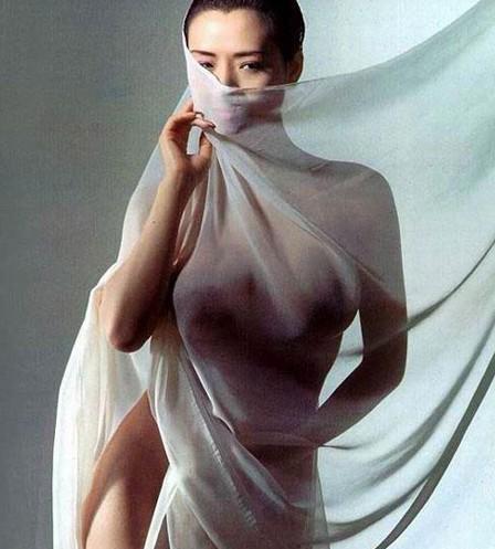 汤氏3姐妹最大胆人体艺术写真