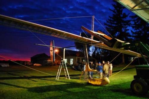 加拿大发明人力扑翼飞机:时速达25公里(图)