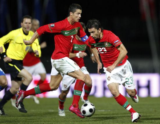 图文-[欧预赛]冰岛1-3葡萄牙 发起球队反攻