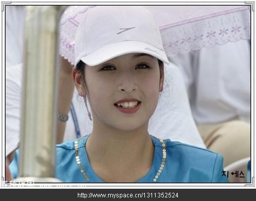 金正日百看不厌的朝鲜美女大学生郑美香组图