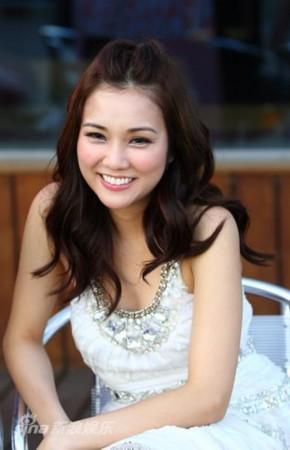 图文:《恋人絮语》主创专访-谢安琪面带微笑