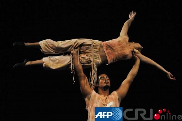 50s高清人体艺术_委内瑞拉举办世界人体艺术展(高清组图)