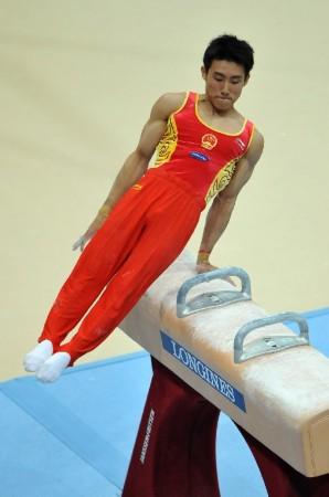 中国男团亮相体操世锦赛 滕海滨鞍马瞬间
