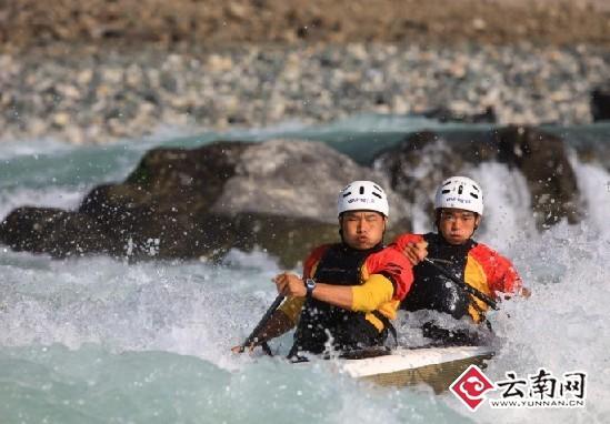 首届中国怒江皮划艇野水国际公开赛12月鸣枪起航
