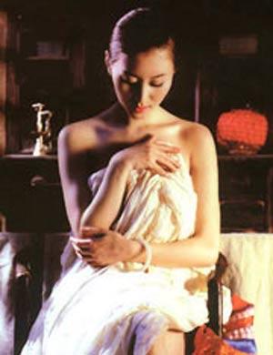 汤加丽痛哭回忆拍人体写真; 张筱雨迷人靓照 体操冠军 汤加丽 写真