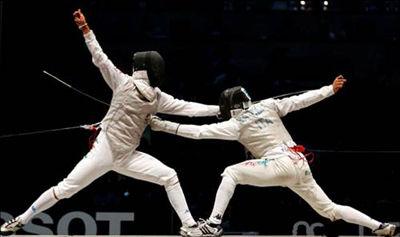 击剑项目介绍 1974年正式进亚运会 分花佩重三项