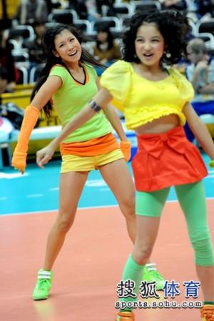 图文:女排世锦赛啦啦队瞬间