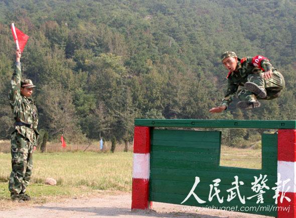 武警新训练大纲_推进部队科学发展的具体举措,是贯彻武警部队新军事训练大纲成果的