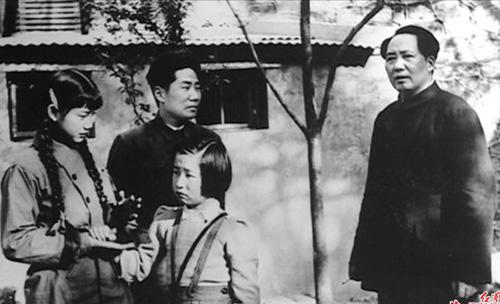 毛主席与毛岸英,刘思齐,中为李讷