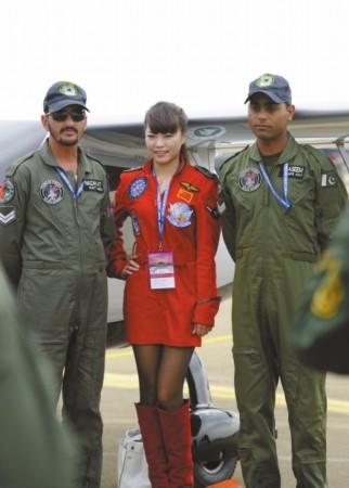 巴基斯坦美女_巴基斯坦美女很害羞只跟中国人讲话组图