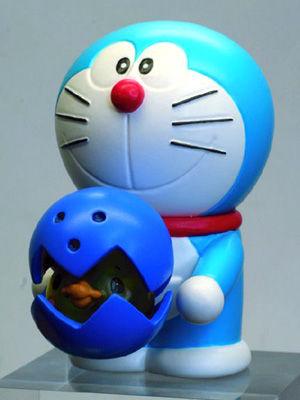 A梦 新作大战机器人 购票赠送限量玩偶