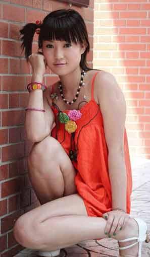 张筱雨:中国第一人体女模特 写真以大胆为卖点