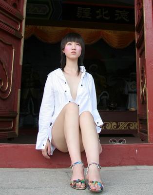 张筱雨美丽中国人体艺术_张筱雨汤芳汤加丽:人体艺术绝对不是暴露(组图)