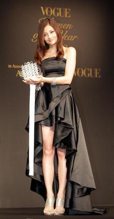 女星黑木明纱石原里美等获日本年度女性大奖