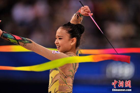 大奶子萝莉人体艺术_脱衣送观众 高清:孙妍在亮相艺术体操赛场 亚运最美小\
