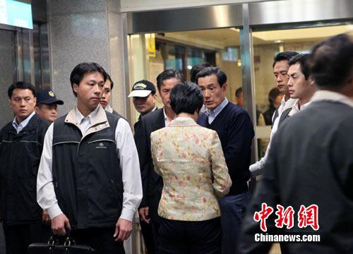 竹联帮释小龙_组图:连战之子遭枪击 凶嫌被捕接受审讯