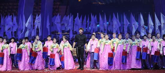 亚运闭幕韩国仁川表演 朝鲜族歌舞