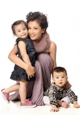刘涛私密温馨家庭照曝光 儿女可爱大秀幸福
